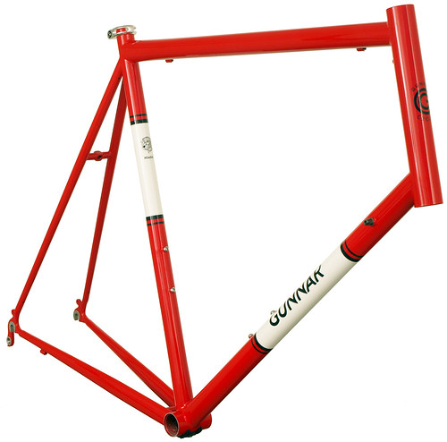 <p>Front view of Gunnar Roadie Red with White Panels and Bullseye Decals.</p>