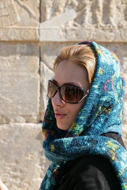 Beautiful woman in Persepolis, Iran ペルセポリス遺跡にいたイラン美女