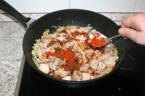 41 - Mit Paprikapulver bestäuben / Dredge with paprika
