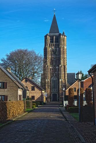 Weelde, Sint-Michielskerk
