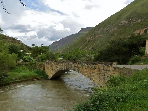 bridge peru río river landscape puente paisaje perú andes amazonas chachapoyas utcubambavalley regionamazonas amazonasregion valledeutcubamba utcubambariver valledelutcubamba ríoutcubamba regiondeamazonas