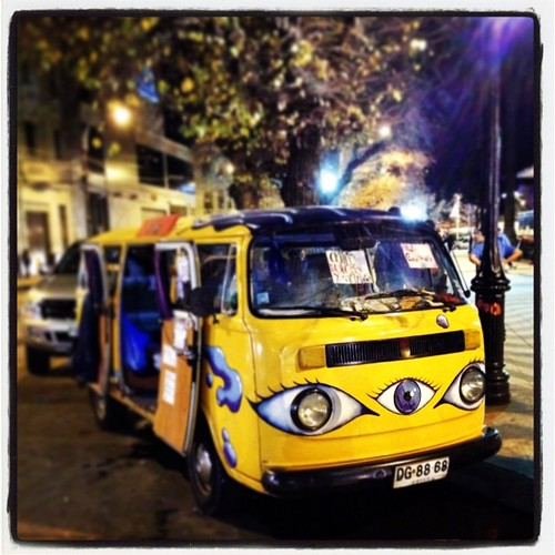 La combi de tres ojos #valparaíso #chile #night #lights #cool