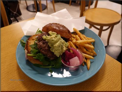 Photo:2016-10-08_ハンバーガーログブック_名古屋タカシマヤの催事場でハンバーガーに出会う【Event】_01 By:logtaka