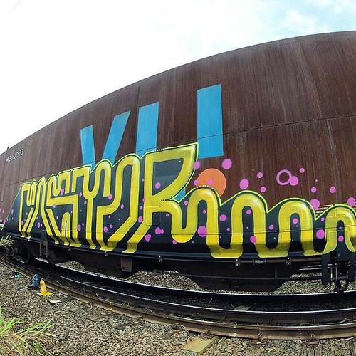 🚂C∆$t•®🚃  #castor #ots #adr #vagões #cargueiros #linha #férrea #roledobom #grafite #graffiti #vandal #artderua #ostaissujões #graffititrain #wagons #2016