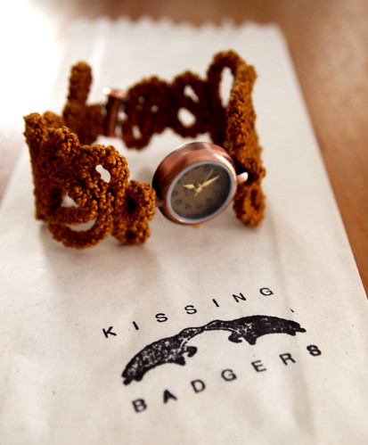 kissing-badgers4