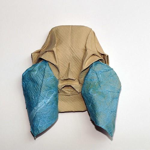 Origami Mask with tears (Toyoaki Kawai)