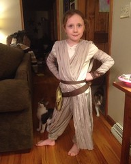 This is one strong Rey. #halloween #maytheforcebewithyou #princess #starwars