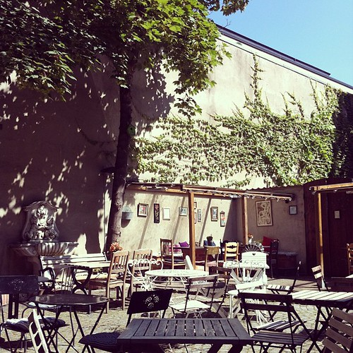 Bästa innergården i hela Malmö: @kafeagnez.
