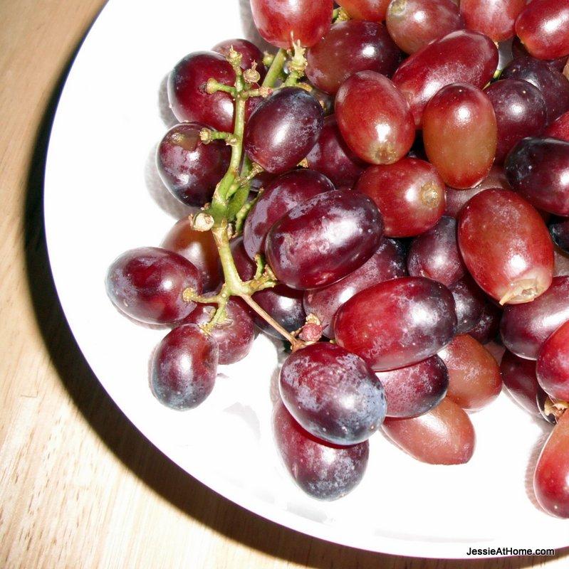 bowl-of-grapes