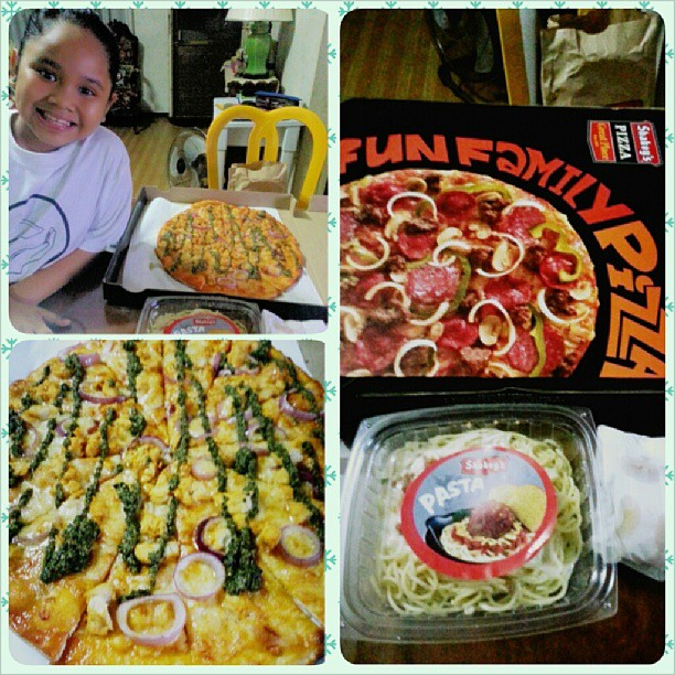 Wednesday night is rainy pizza night!  #pizza #shakeys #bertoandkwala #growingupwithbea
