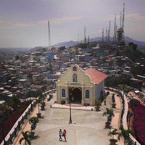 church square ecuador squareformat guayaquil iphoneography instagramapp uploaded:by=instagram foursquare:venue=4bb8dfc9b35776b0af56c901