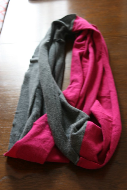 2 T-shirt Infinity Scarf