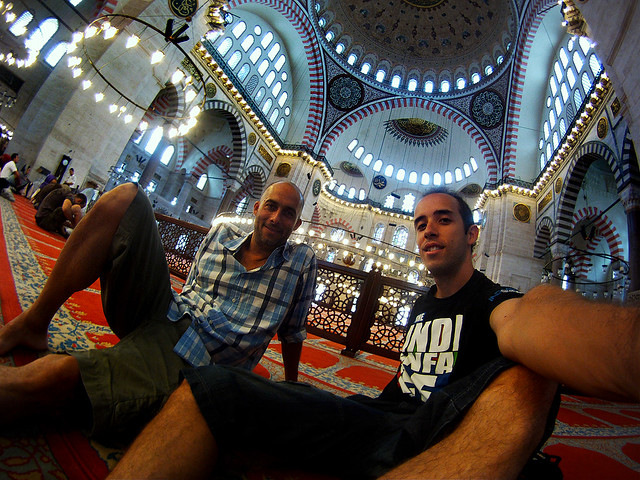 Miguel Egido de Diario de un Mentiroso en la mezquita de Suleymaniye Estambul