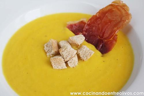 Crema de pimientos amarillos www.cocinandoentreolivos (20)