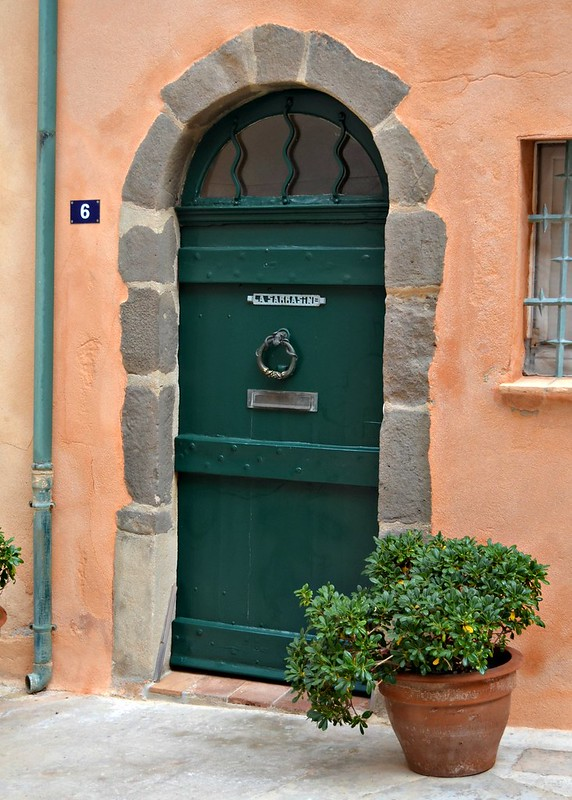 door way st tropez