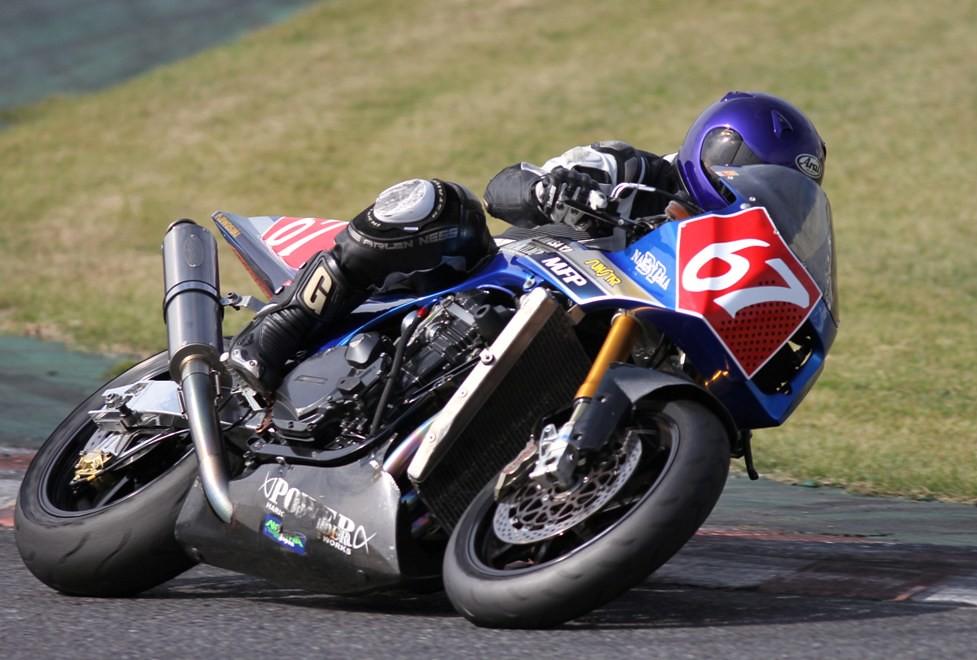 Kawasaki GPZ-R 900 et 750, 1000 RX, ZX 10 TOMCAT - Page 4 10733519565_d6c23cb414_b