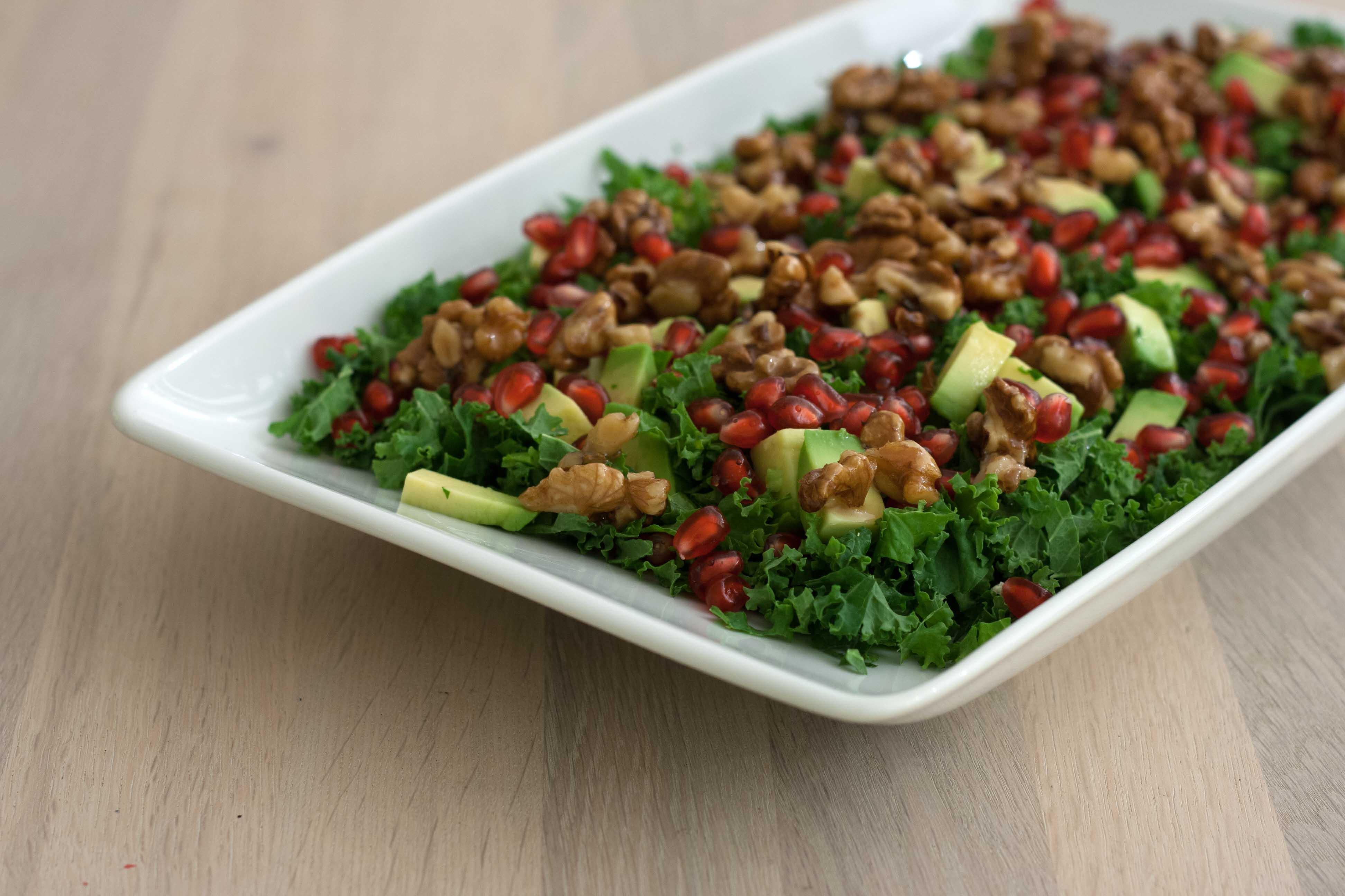 opskrift grønkålssalat med granatæble