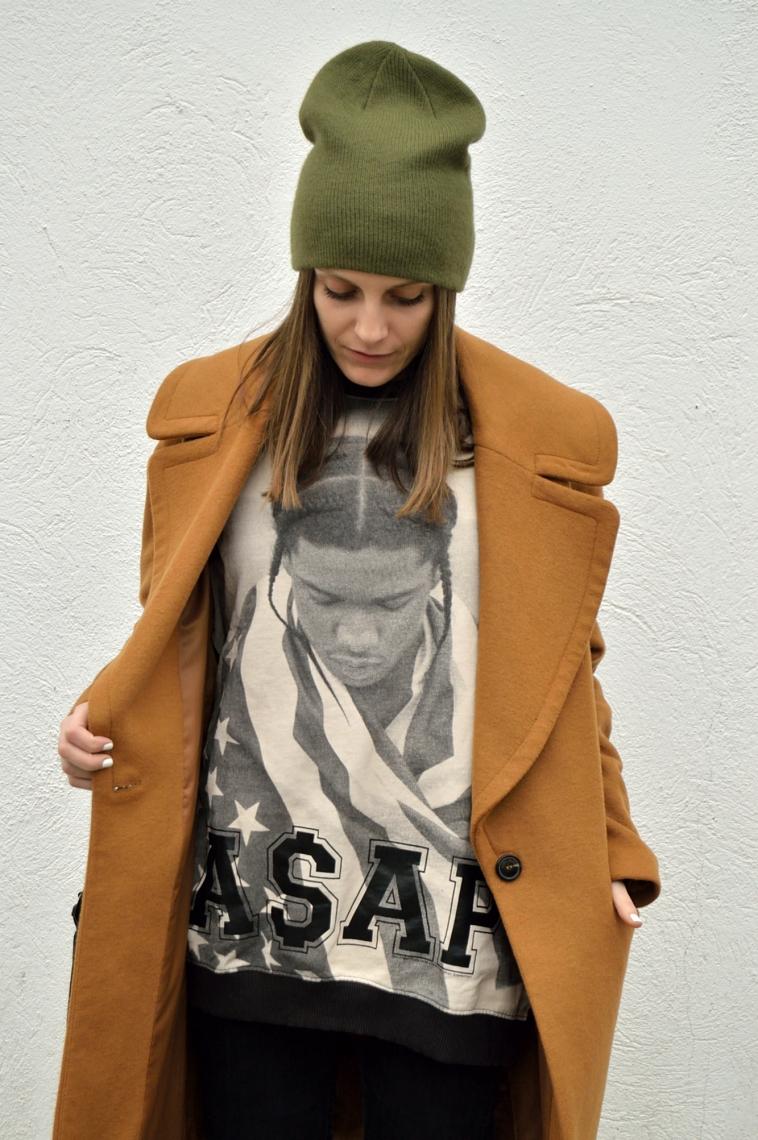 lara-vazquez-madlula-fashion-blog-green-beanie-brown-coat-look