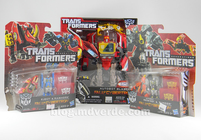 Transformers Blaster Voyager - Generation Fall of Cybertron - caja vs minions