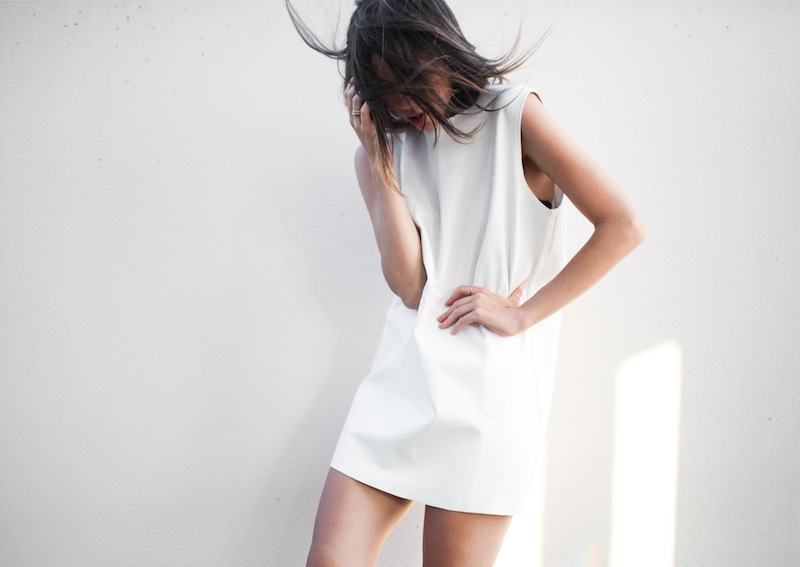 modern legacy fashion blogger Australia Eska Alikai white perforated leather shift dress editorial (2 of 4)