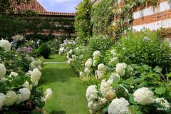F La Loge Les jardins de  Maizicourt, France
