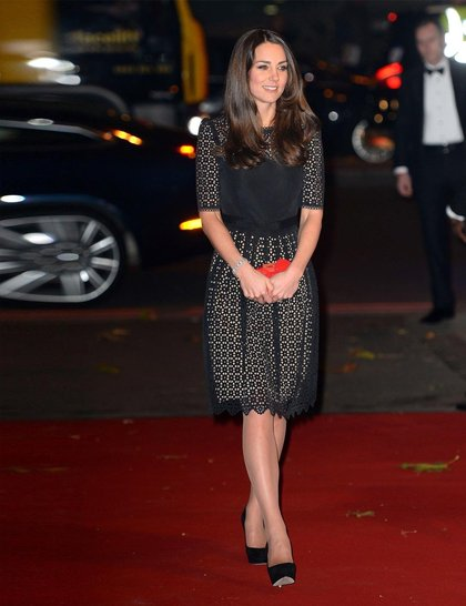 kate-middleton-catherine-duchess-of-cambridge-sportsaid-ball-2013-rex_GA