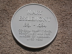 Photo of Mary Esslemont yellow plaque