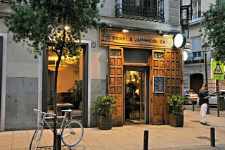 http://hojeconhecemos.blogspot.com.es/2014/07/eat-yoshi-madrid-espanha.html