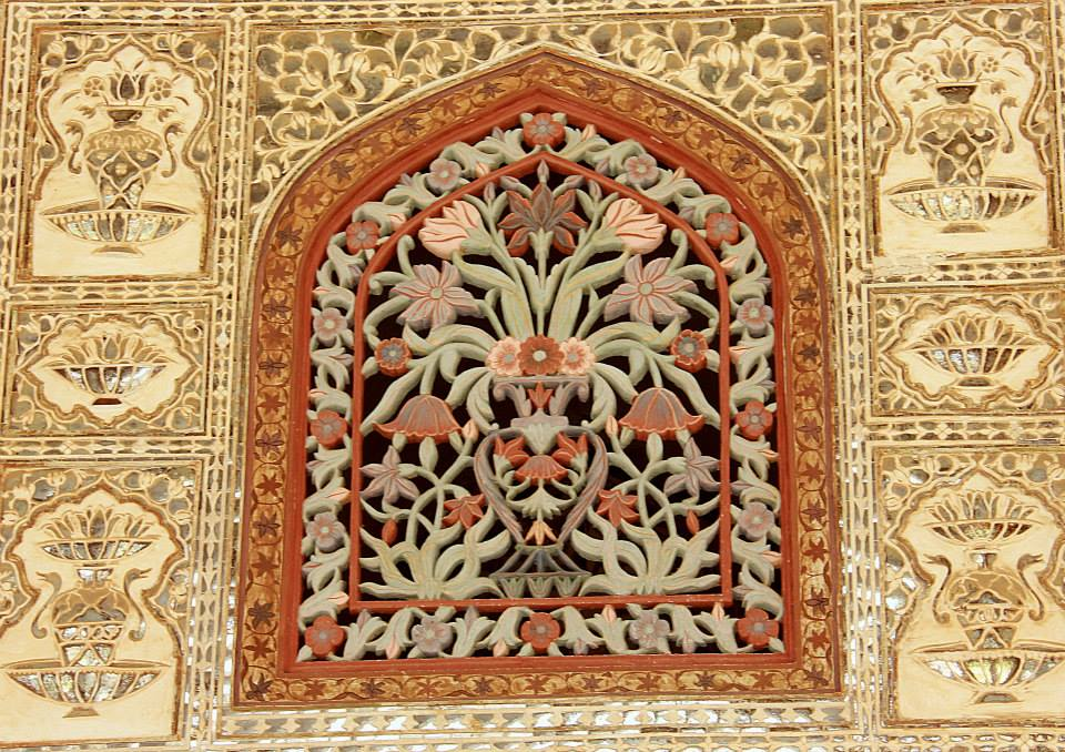 amer fort is famous for its marble lattice work