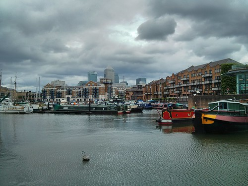 Limehouse Basin and Canary Wharf