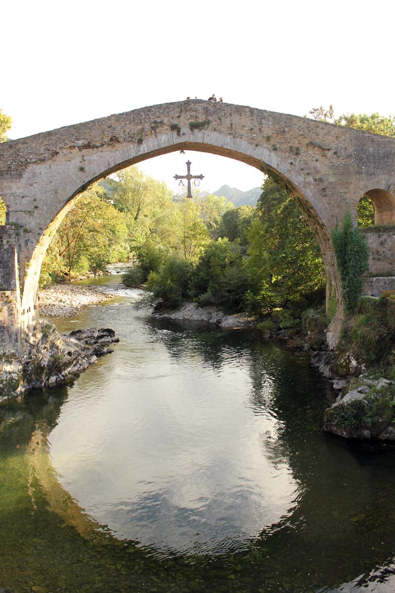 look-turismo-camisa-de-cuadros-cangas-de-onís-(1)
