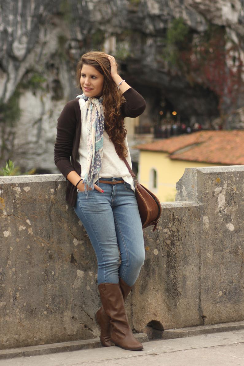 Covadonga---look-turismo---heelsandroses-(3)