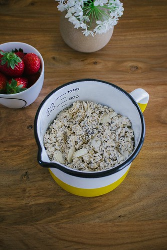 Measuring cup of oatmeal, Amella Crook, Creative Commons