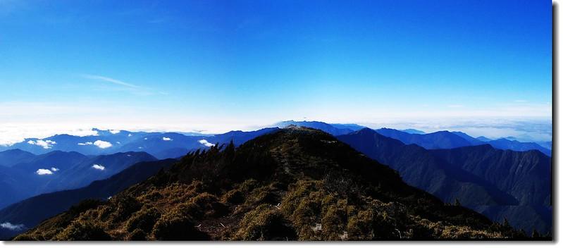 關山山頂向南展望 1