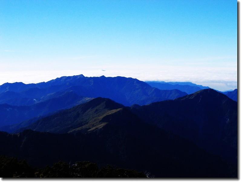關山山頂向南展望 2