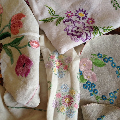 Vintage Sunday - Embroideries