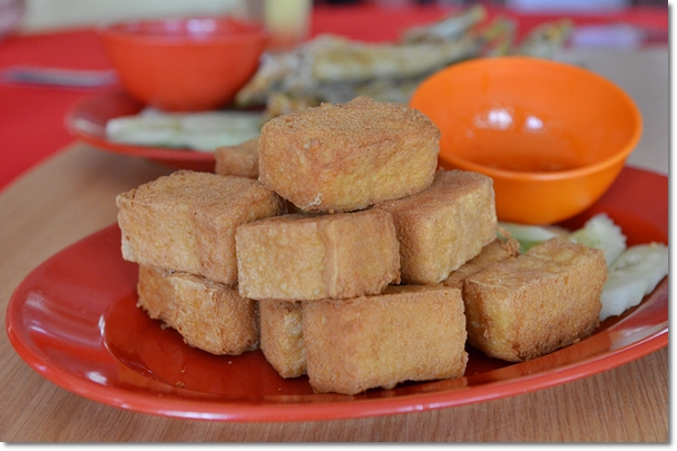 Fried Beancurd with Chili Sauce