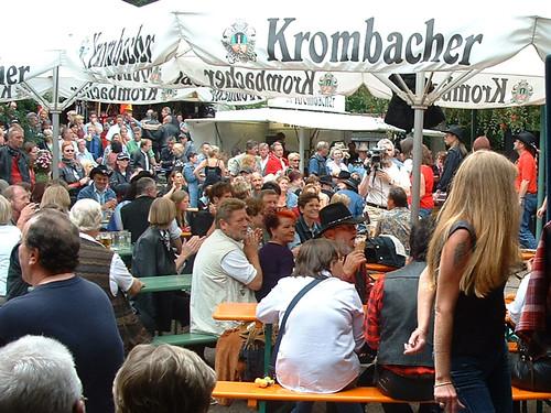 2002_0901 Externsteine Felsenwirt_4