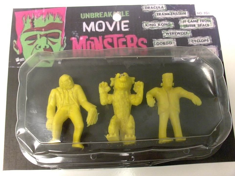 moviemonsters_carded
