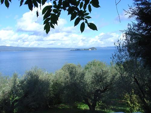 Blick auf den Bolsena See bei Capodimonte