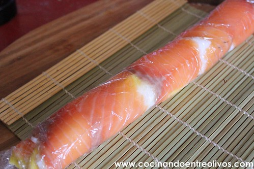 Makis de salmon ahumado y mango www.cocinandoentreolivos (12)