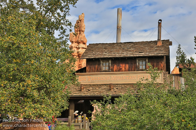 Disneyland Jan 2013 - Wandering through Frontierland