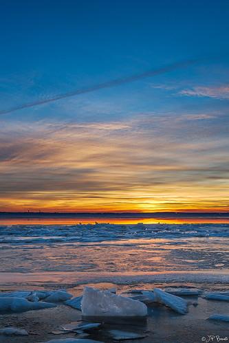 blue winter orange sun snow cold ice water yellow clouds sunrise virginia horizon maryland potomacriver 1740l cs6 leesylvaniastatepark lr5 5dii jpbenante