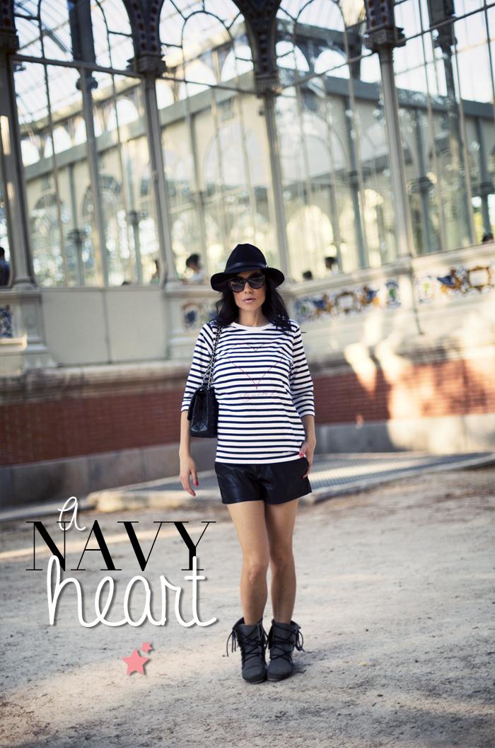 street style barbara crespo retiro palacio cristal a bicyclette tshirt navy heart fashion blogger outfit blog de moda