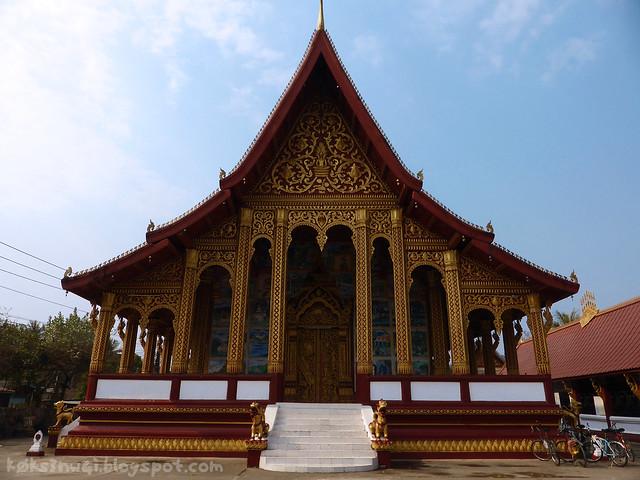 Luang Prabang Wat Manorom 02 Front of Temple