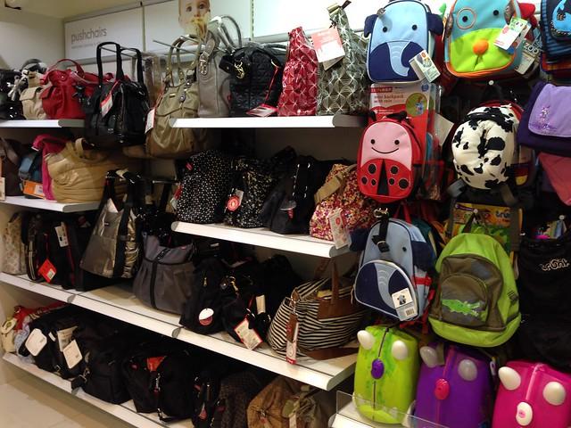 媽媽寶寶都可以買到自己要的包@mothercare敦南旗鑑店大採購