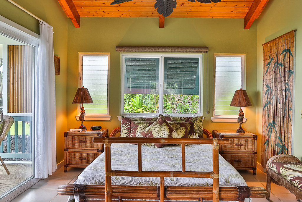 Hana Oceanfront Cottage Bedroom