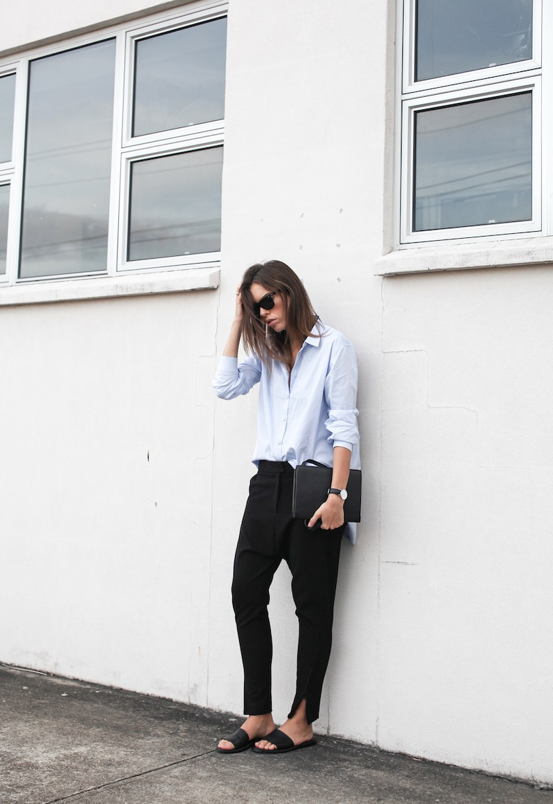 modern legacy blog kaity street style off duty minimalist man style shirt ankle zip pants Camilla and Marc slide sandals Common Projects Alexander Wang Prisma envelope clutch black blue (3 of 7)