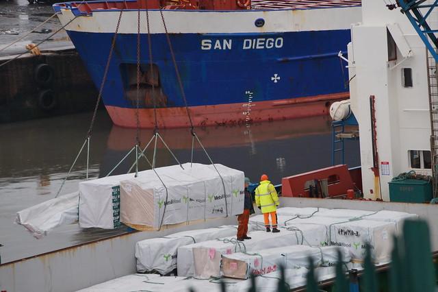 1 DSC07616. General Cargo, Sony SLT-A58, Sony DT 55-200mm F4-5.6 (SAL55200)
