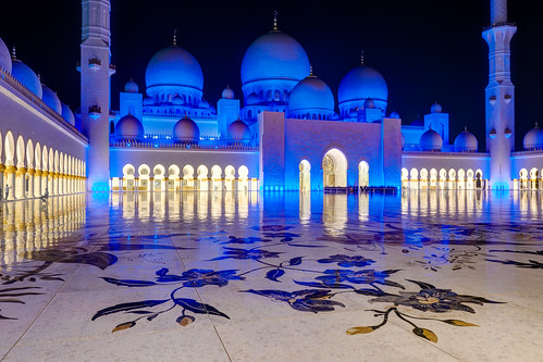 1240mmf28 abudhabi architektur asien blau blauestunde em5markii exposurefusion farbe gelb gold mzuiko microfourthirds olympus reise sakralbauten sheikhzayedgrandmosque vae architecture blue color golden kgiesel light m43 mft travel yellow vereinigtearabischeemirate photomatix